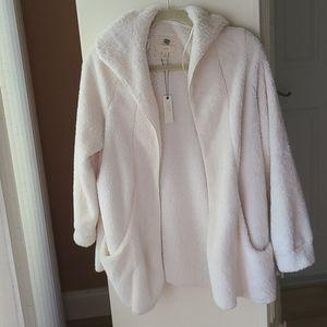 Cupio Blush warm fuzzy jacket with tags